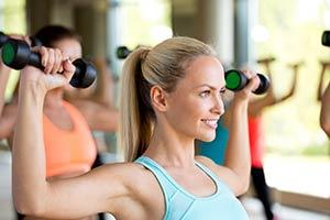Nahrungsergänzung beim Kraftsport – Bodybuilding. Fitnesstraining